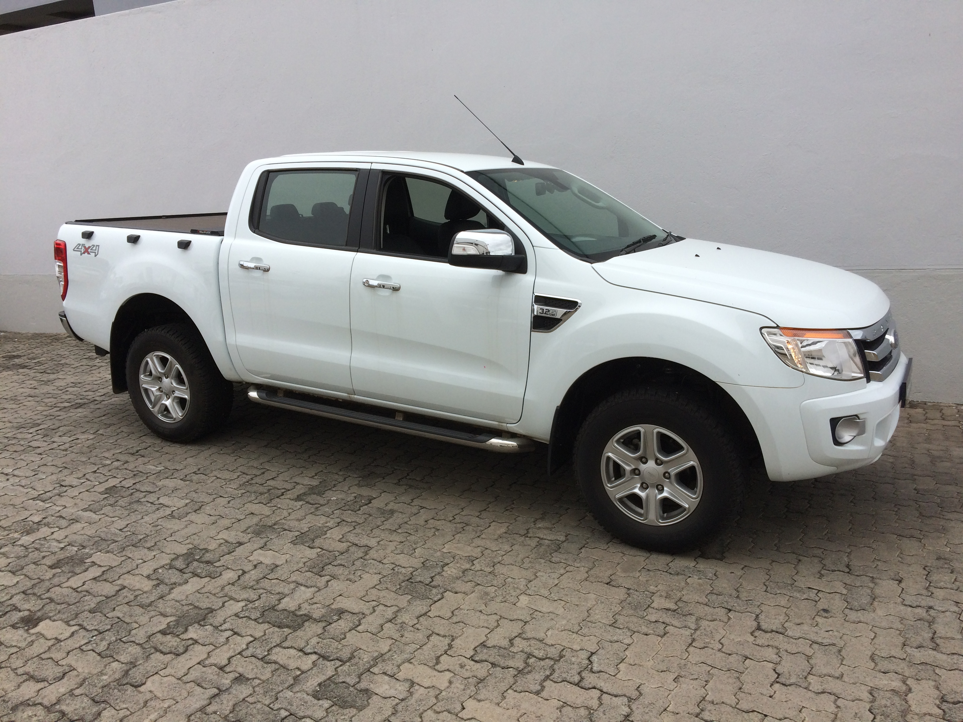 ford nelspruit ford ranger 3 2 xlt d c 4x4 auto 2013 2. Black Bedroom Furniture Sets. Home Design Ideas
