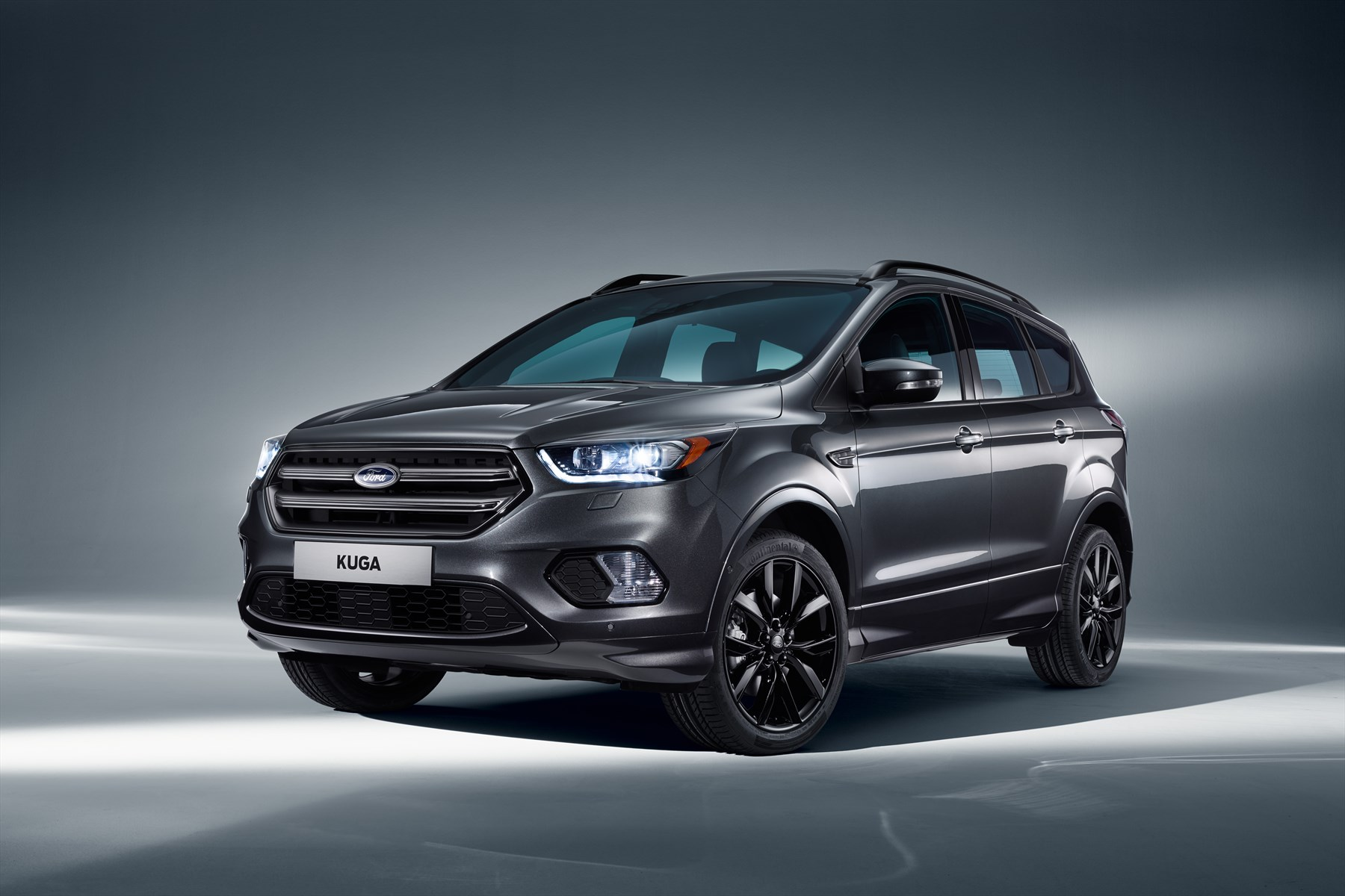 kuga_mca_sport_final_highres_01_1800x1800