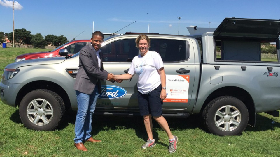 ensly-dooms-from-ford-south-africa-and-paula-barnard-from-world-vision-sa-at-the-official-handover-of-the-ford-rangers-in-soweto-johannesburg_1800x1800