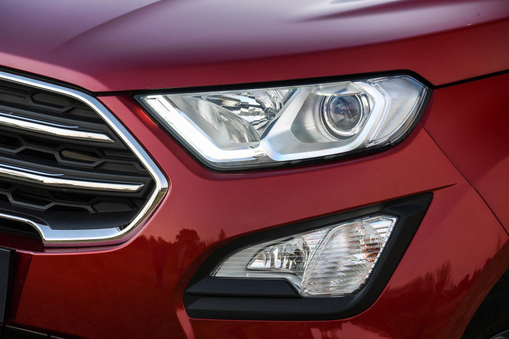 EcoSport-Ruby-Red-Trend-Exterior_095